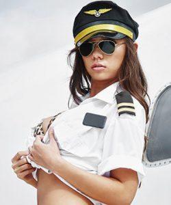 Eroottinen lentäjä - lentoemo seksiasut